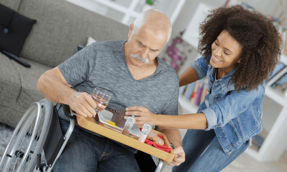 Accompagnement, soins et services à la personne (ASSP) | Option A – À domicile